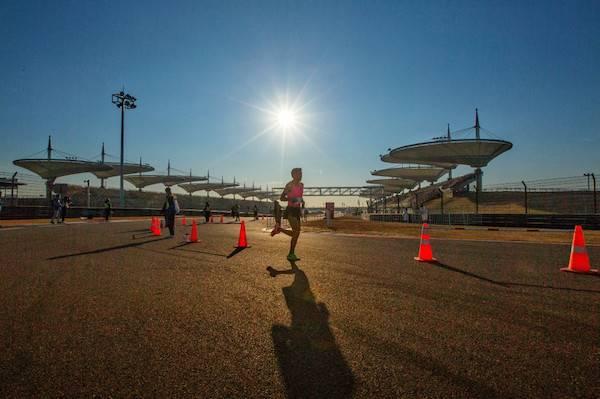 一路向上|跟着万名跑友的脚步在上赛场辞旧迎新